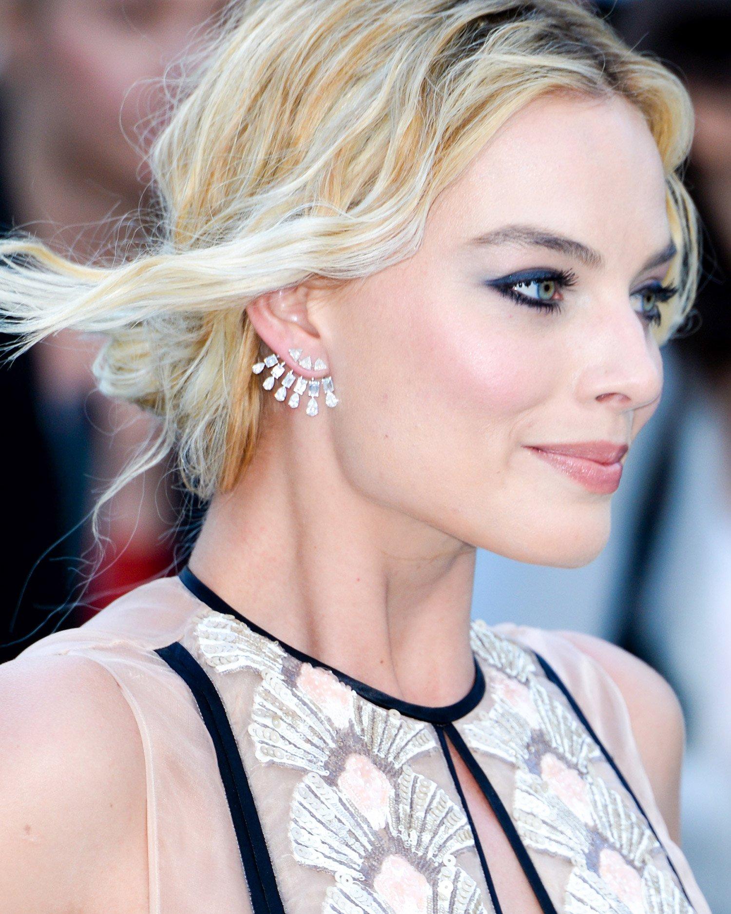 Margot Robbie shone in Messika diamond jewellery